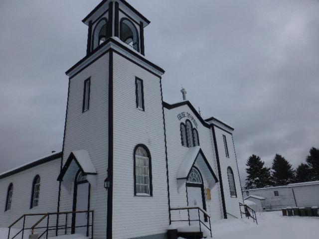 Église vue de l'extérieur